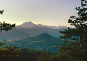 Limagne Fault seen from Gergovie (Photo by Herve Monestier)
