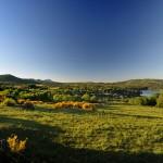 Vue sur le lac d'Aydat et le sud de la chaîne