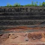 Carrière de Lemptégy qui donne à voir le cœur d'un volcan